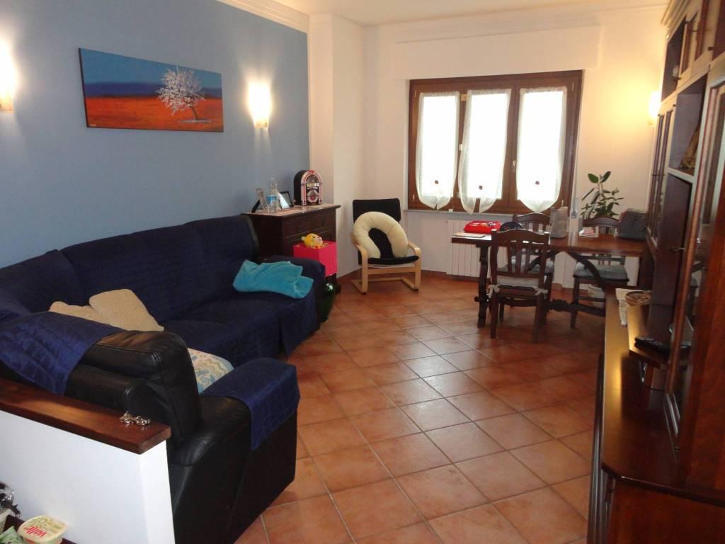 Appartamento in ottime condizioni in vendita Rif. 4199445