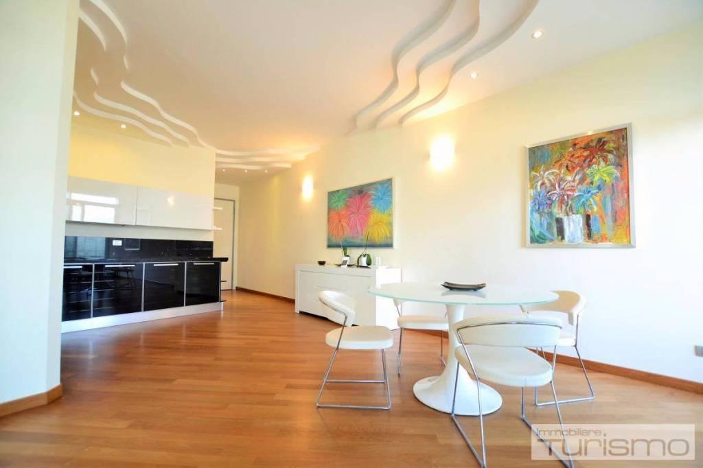 Appartamento in Vendita a Riccione Centro:  4 locali, 112 mq  - Foto 1