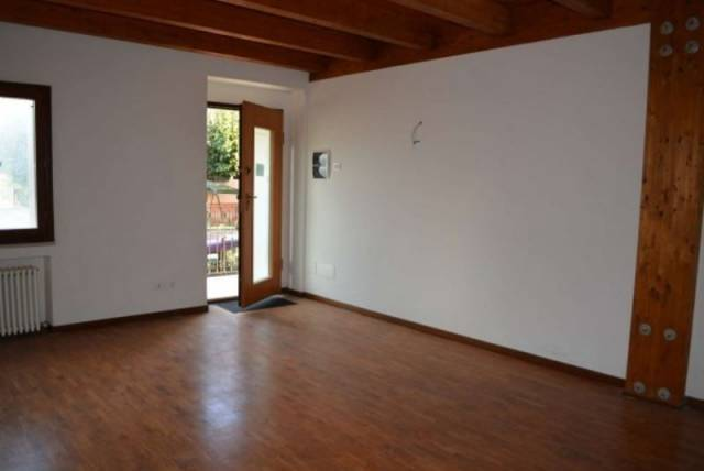 Appartamento in ottime condizioni in affitto Rif. 4343880
