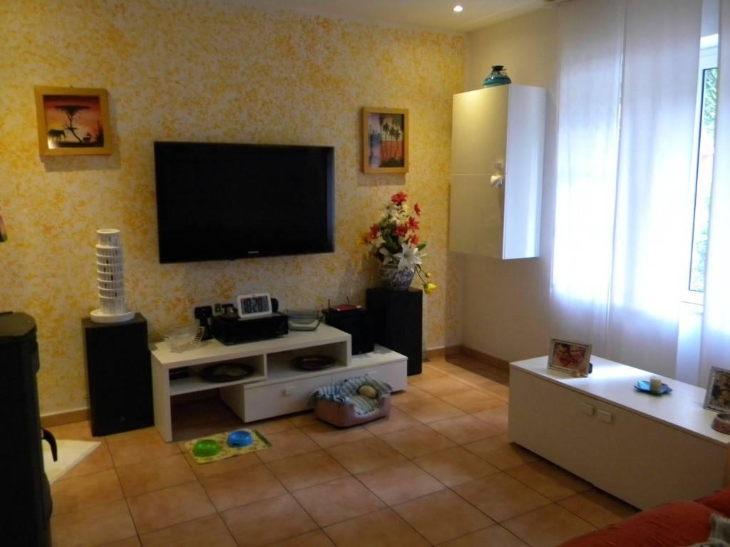 Appartamento in vendita a Cassano Magnago, 5 locali, prezzo € 208.000   CambioCasa.it