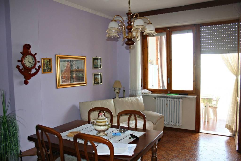 Appartamento in ottime condizioni in vendita Rif. 6473164