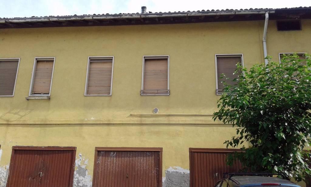 Appartamento parzialmente arredato in vendita Rif. 4207724
