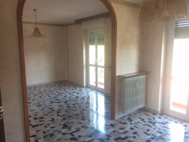 Appartamento in buone condizioni in vendita Rif. 8201582