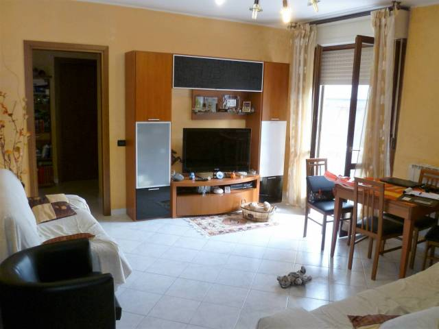 Appartamento in ottime condizioni in vendita Rif. 4333807