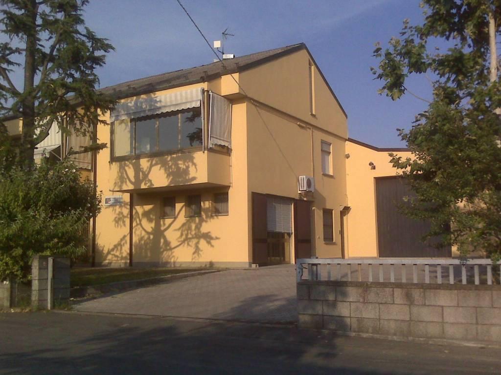 Capannone in Affitto a San Giovanni In Persiceto Periferia: 5 locali, 788 mq