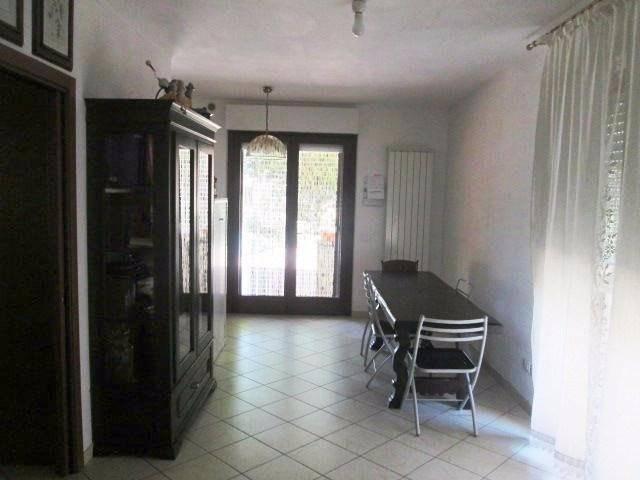 Appartamento in ottime condizioni parzialmente arredato in vendita Rif. 4420184