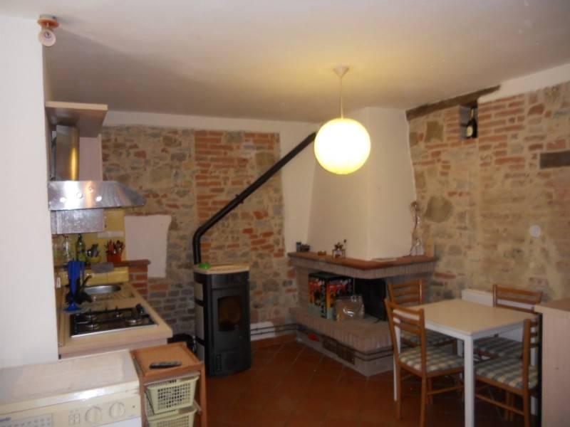 Casa indipendente in Vendita a Castiglione Del Lago Periferia: 5 locali, 220 mq