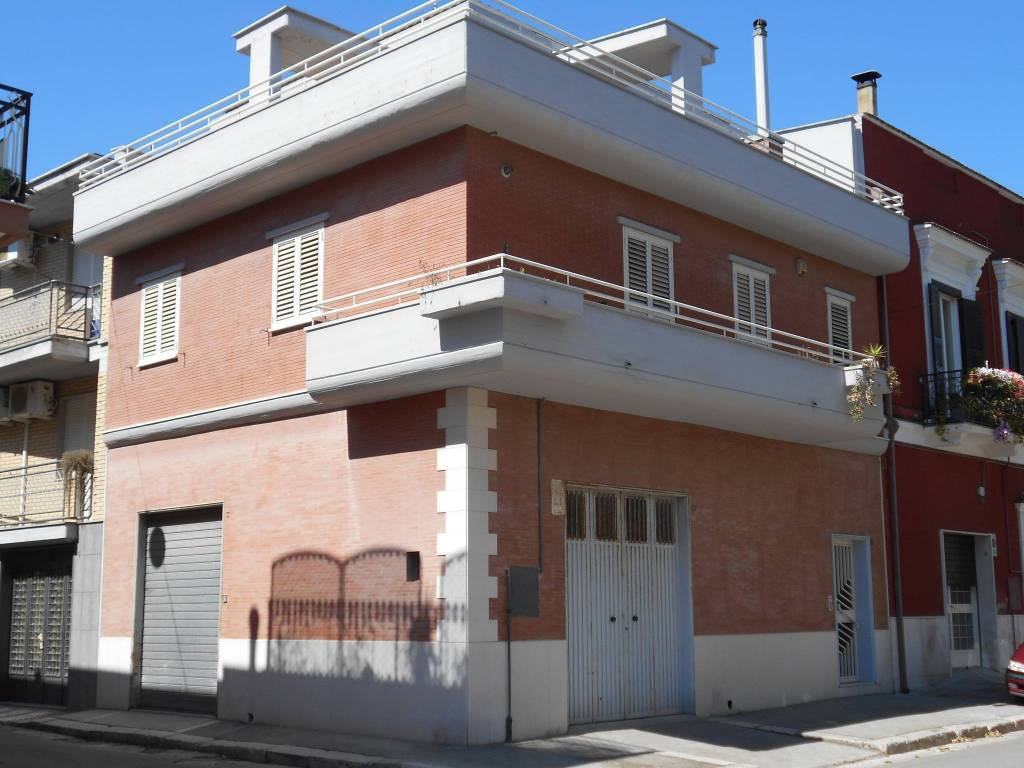Casa Indipendente in buone condizioni in vendita Rif. 4979320