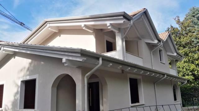 Villa in vendita a Cardano al Campo, 4 locali, prezzo € 270.000 | CambioCasa.it