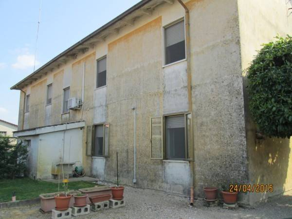 Appartamento in vendita a Gazoldo degli Ippoliti, 3 locali, prezzo € 65.000   CambioCasa.it