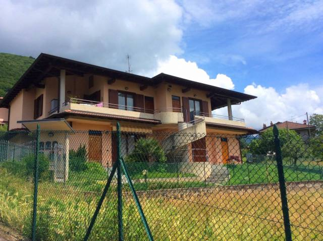 Appartamento in ottime condizioni arredato in vendita Rif. 4914233