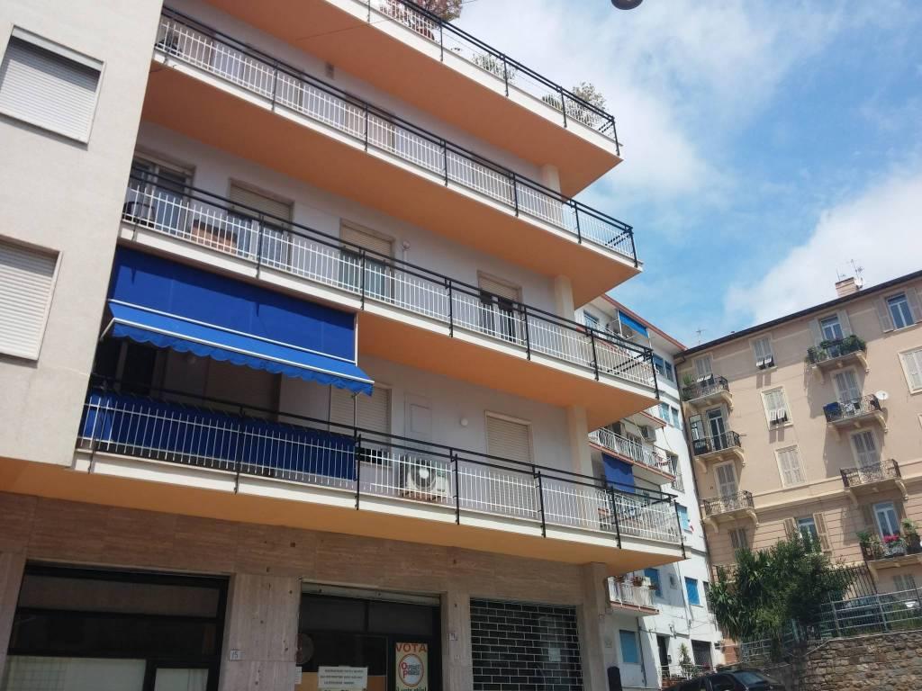Appartamento in affitto a Ospedaletti, 3 locali, prezzo € 1.300 | CambioCasa.it
