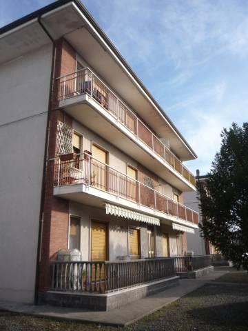 Appartamento in buone condizioni in affitto Rif. 4455930