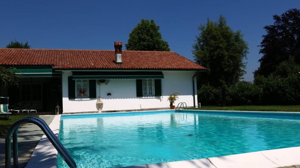Villa in vendita a Miradolo Terme, 6 locali, prezzo € 850.000 | CambioCasa.it