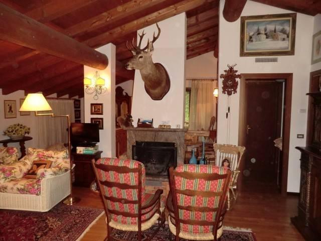 Appartamento in ottime condizioni in vendita Rif. 4524607