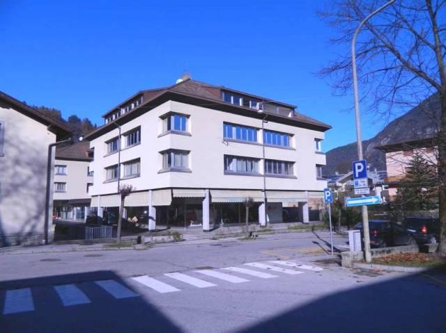 Ufficio-studio in Affitto a Tione Di Trento Centro: 4 locali, 100 mq