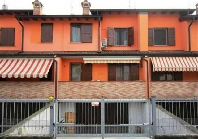 Villa a Schiera in vendita a Monte Cremasco, 5 locali, prezzo € 219.000 | CambioCasa.it