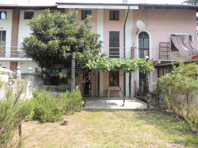 Rustico / Casale in buone condizioni in vendita Rif. 4408393
