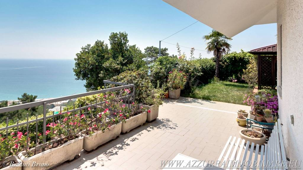 Villa in vendita via Bruciati Albissola Marina