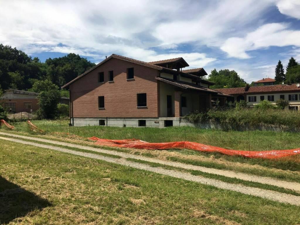 Foto 1 di Villa via Cortandone 48, Monale