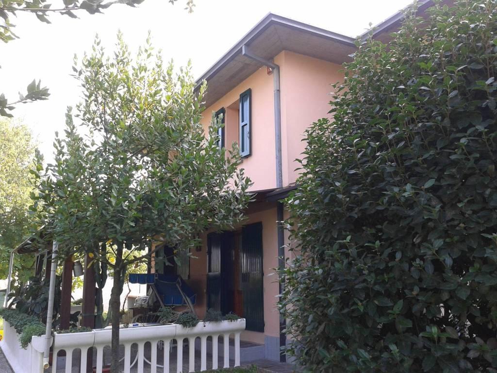 Foto 1 di Villa Imola