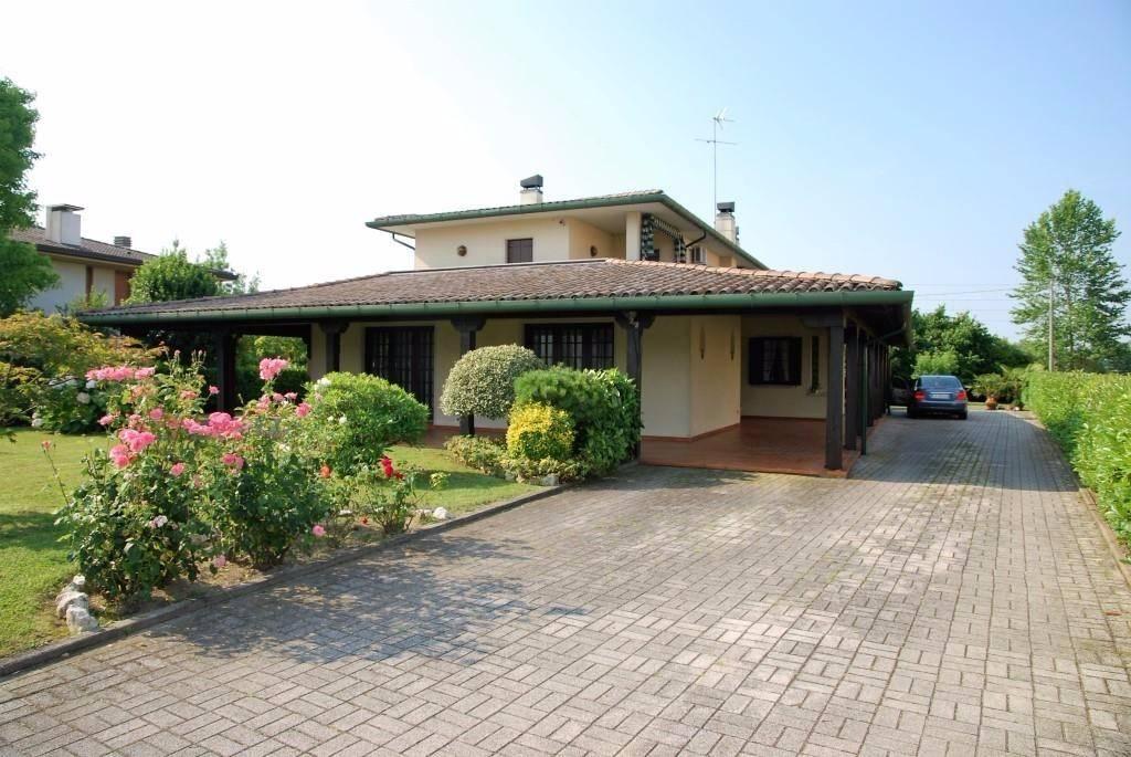 Villa in vendita a Gorgo al Monticano, 4 locali, prezzo € 250.000 | CambioCasa.it