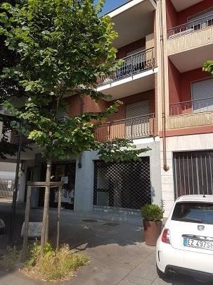 Negozio / Locale in vendita a Rivoli, 2 locali, prezzo € 93.000   CambioCasa.it
