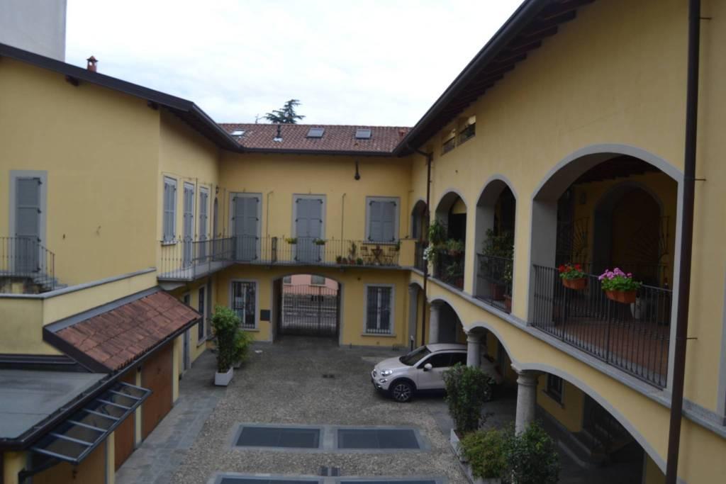 Appartamento in affitto a Seregno, 2 locali, prezzo € 700 | CambioCasa.it