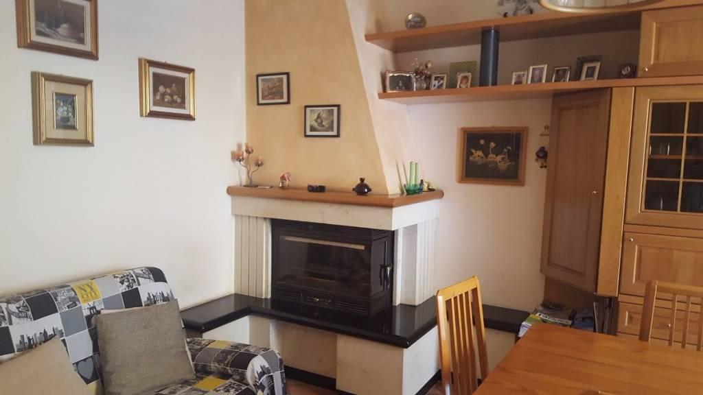 Villa a Schiera in vendita a Caino, 4 locali, prezzo € 158.000 | CambioCasa.it