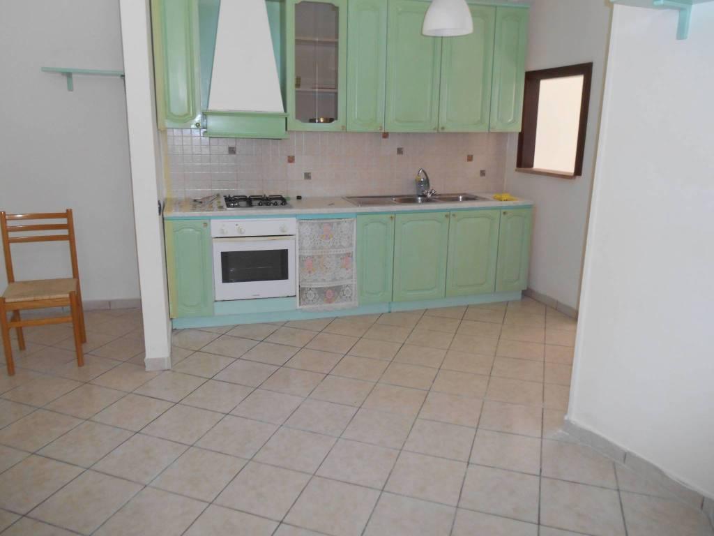 Appartamento in buone condizioni in affitto Rif. 7858633