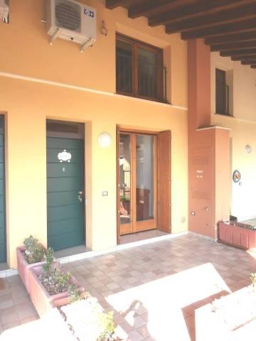 Appartamento in ottime condizioni arredato in affitto Rif. 6577387