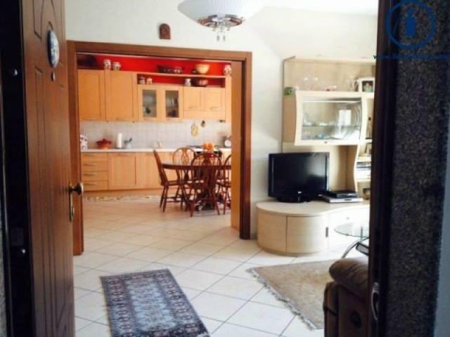 Appartamento in ottime condizioni in vendita Rif. 4377602