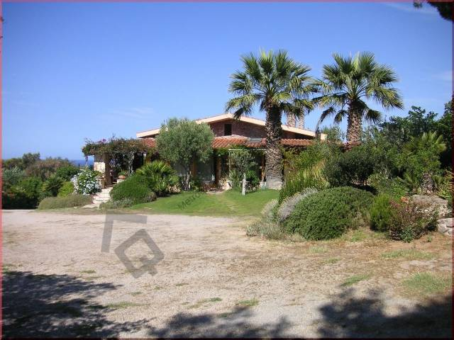 Villa 6 locali in vendita a Alghero (SS)