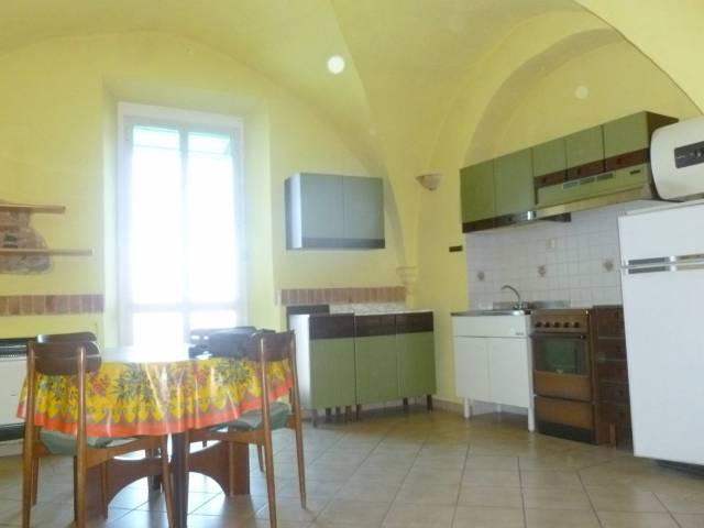 Appartamento in ottime condizioni arredato in affitto Rif. 7203235