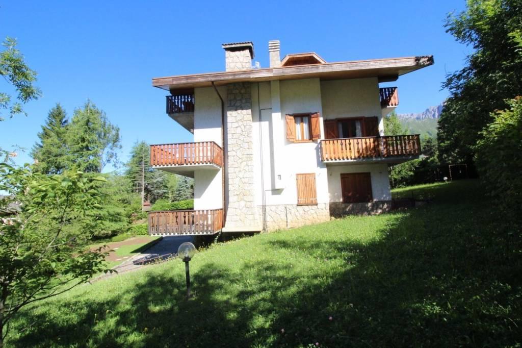 Appartamento in vendita a Castione della Presolana, 3 locali, Trattative riservate | PortaleAgenzieImmobiliari.it