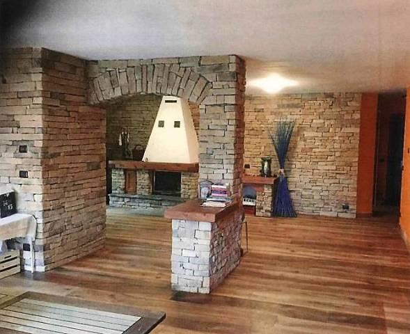 Appartamento in ottime condizioni in vendita Rif. 4259780
