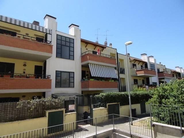 Appartamento in ottime condizioni in vendita Rif. 4851311