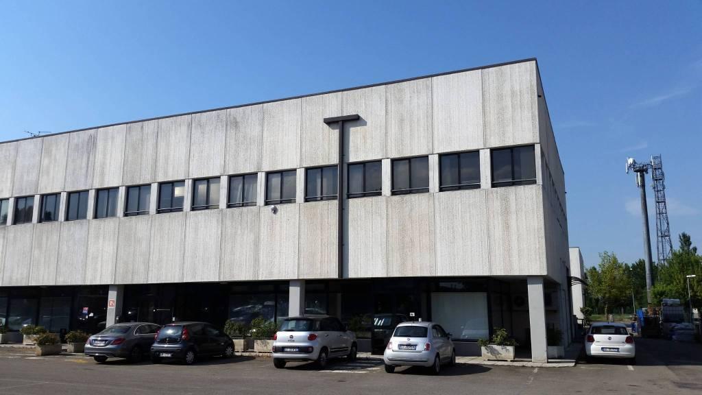 Ufficio-studio in Affitto a Anzola Dell'Emilia Periferia: 5 locali, 590 mq