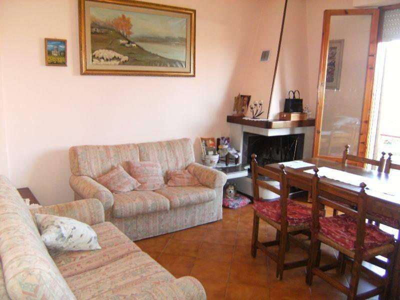 Appartamento in vendita a Montepulciano, 3 locali, prezzo € 75.000 | CambioCasa.it