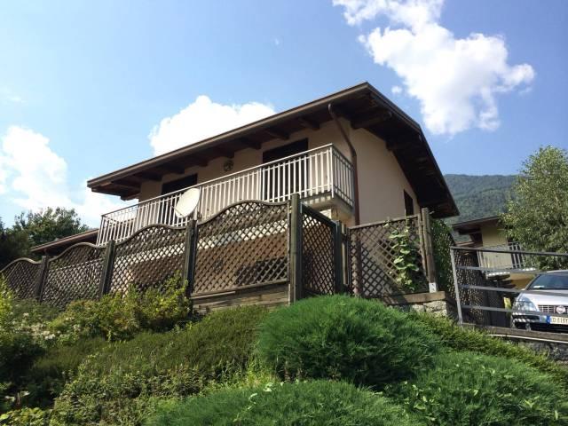 Villa in buone condizioni parzialmente arredato in vendita Rif. 4400439