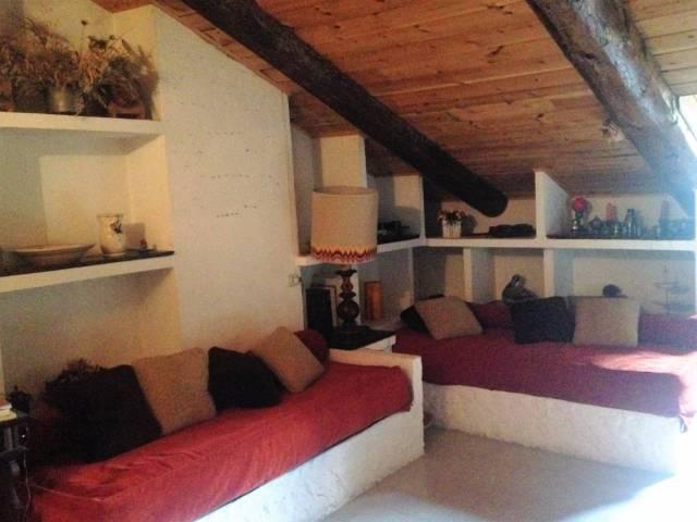 Appartamento in buone condizioni arredato in vendita Rif. 4339257