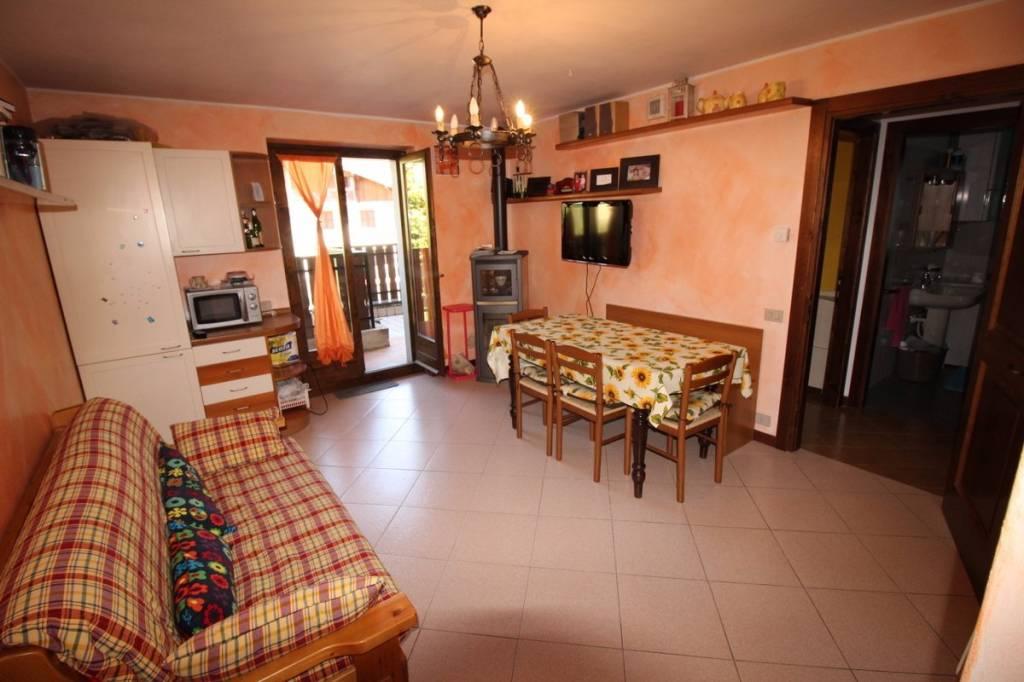 Appartamento in vendita a Castione della Presolana, 2 locali, prezzo € 99.000 | PortaleAgenzieImmobiliari.it