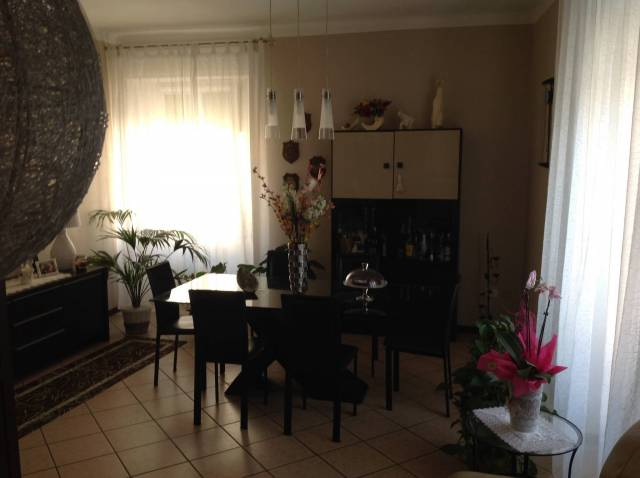 Appartamento in buone condizioni in vendita Rif. 4952462