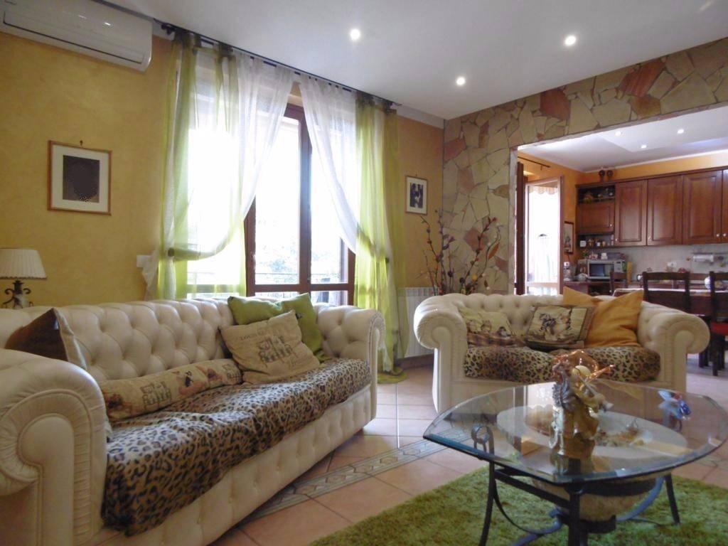 Appartamento in Vendita a Mascalucia Periferia: 4 locali, 97 mq
