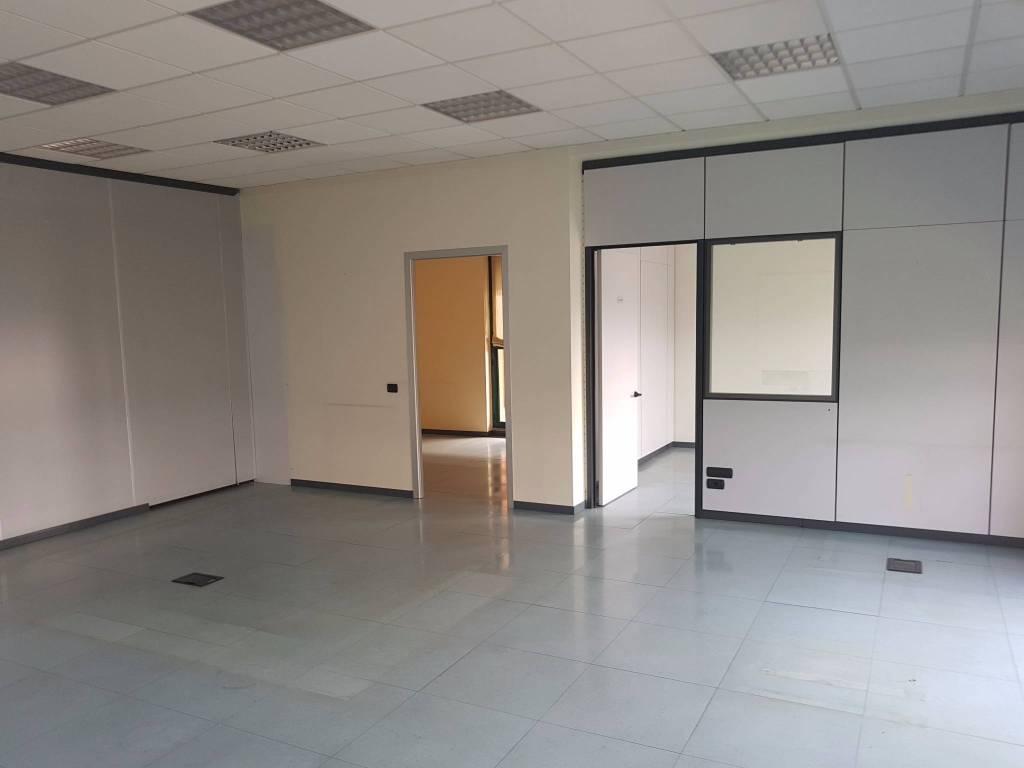 Ufficio / Studio in affitto a Settimo Milanese, 4 locali, prezzo € 1.420 | PortaleAgenzieImmobiliari.it