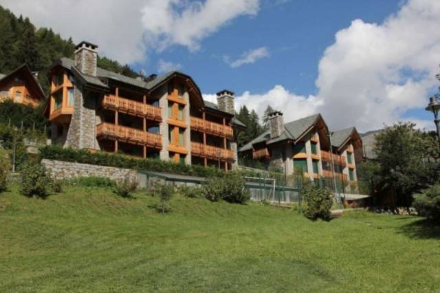 Appartamento in ottime condizioni arredato in affitto Rif. 4423648