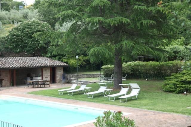 Proprietà a Paciano: villa con piscina in uno dei Borghi più belli d'Italia