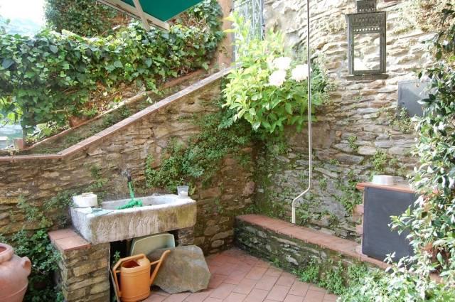 Rustico / Casale in vendita a Montignoso, 9999 locali, prezzo € 230.000   Cambio Casa.it