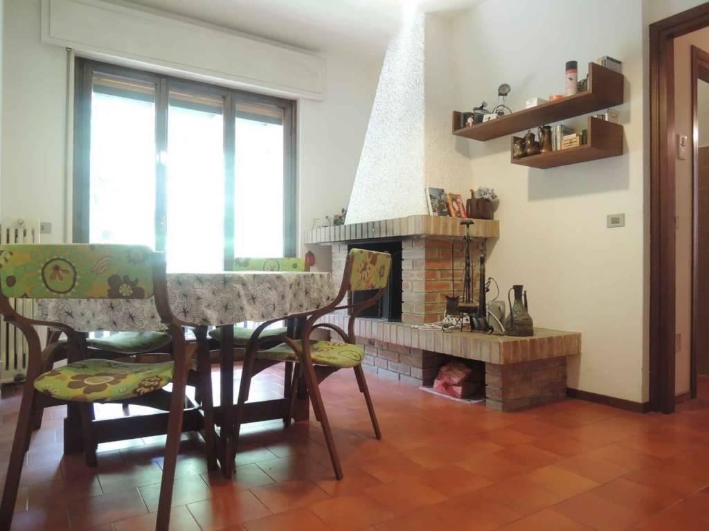 Appartamento in buone condizioni arredato in vendita Rif. 7847696