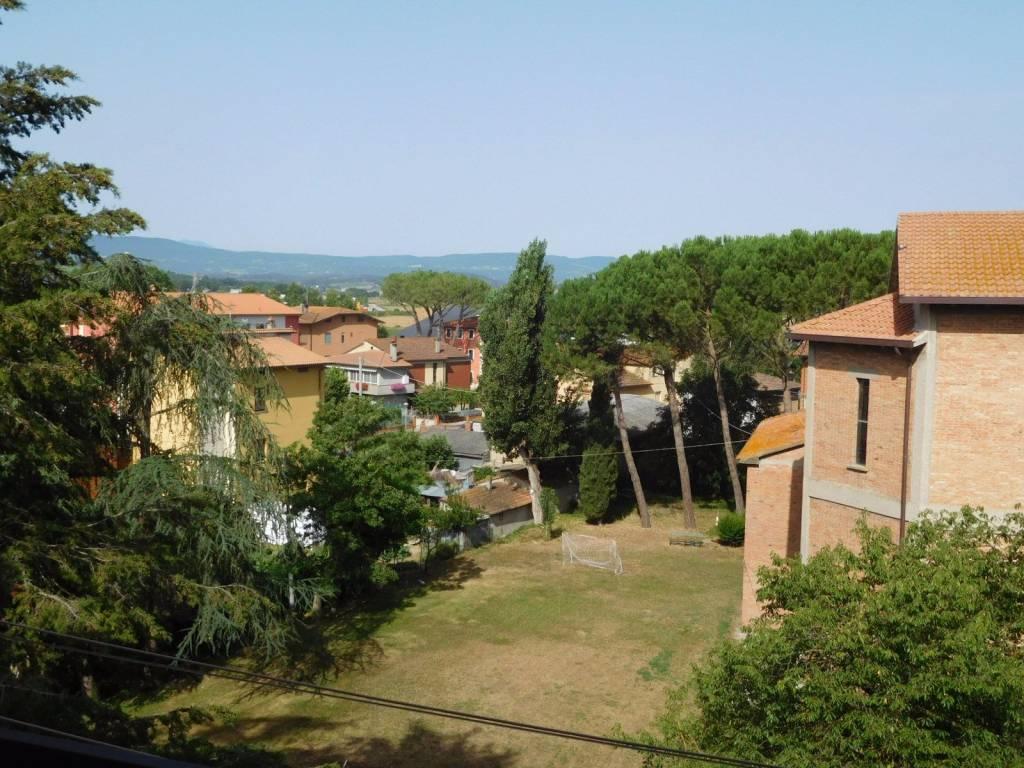 Appartamento in Affitto a Citta' Della Pieve Periferia: 5 locali, 100 mq